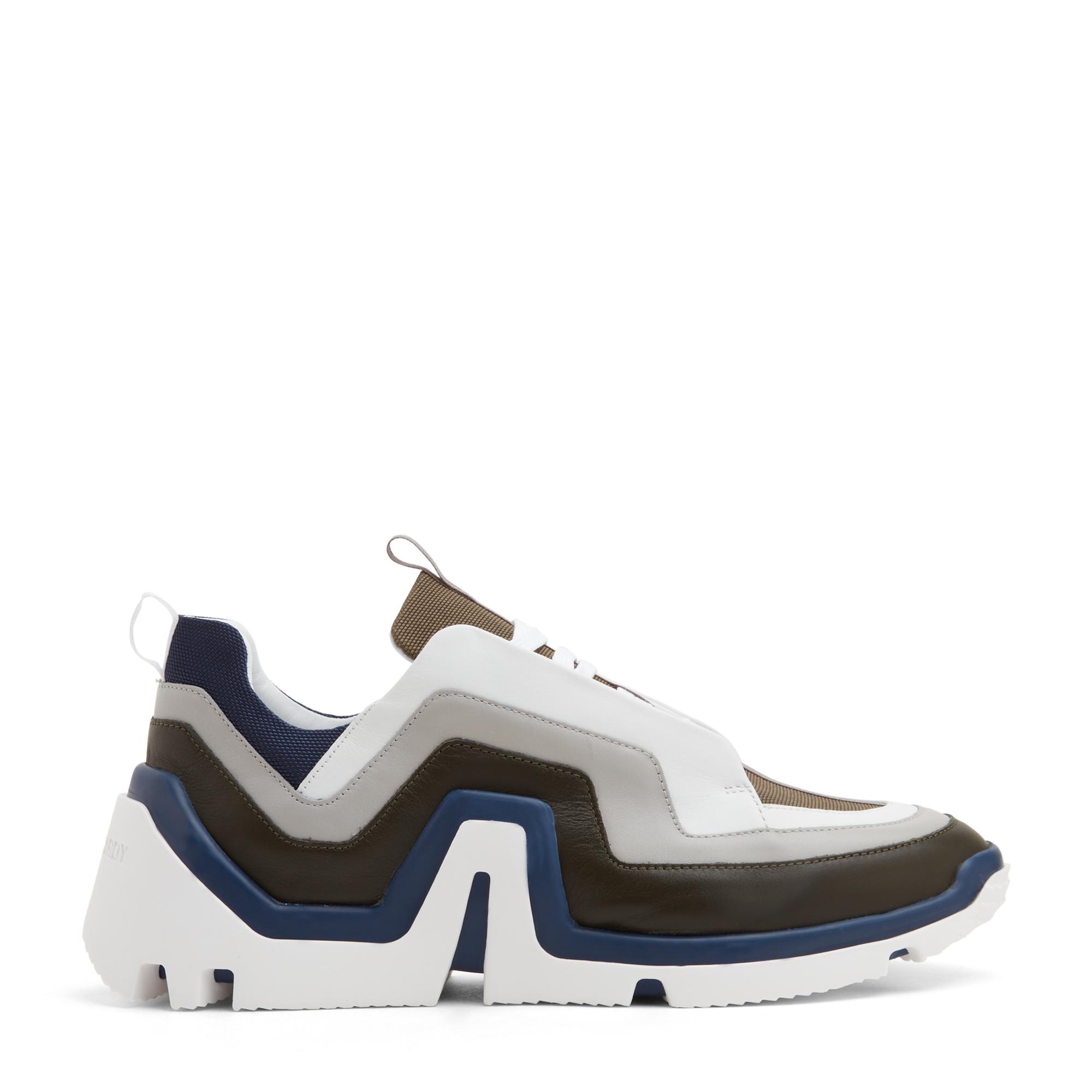 Vibe sneakers